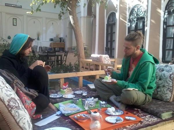هتلهای ایران به خارجیها یارانه میدهند!