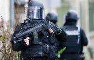 حمله با چاقو در حومه پاریس / ۲ نفر کشته و یک تن زخمی شدند